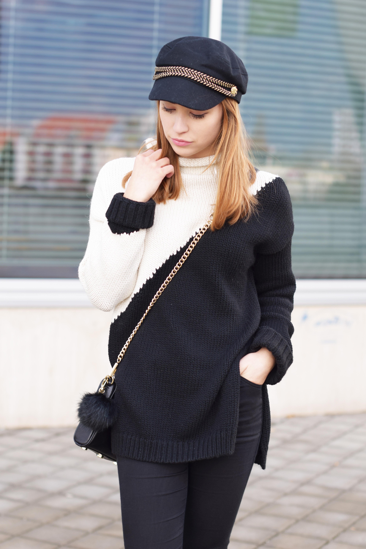 newest 2a708 1fab0 Schwarz-weißer Pullover mit Röhrenjeans und schwarzer Tasche
