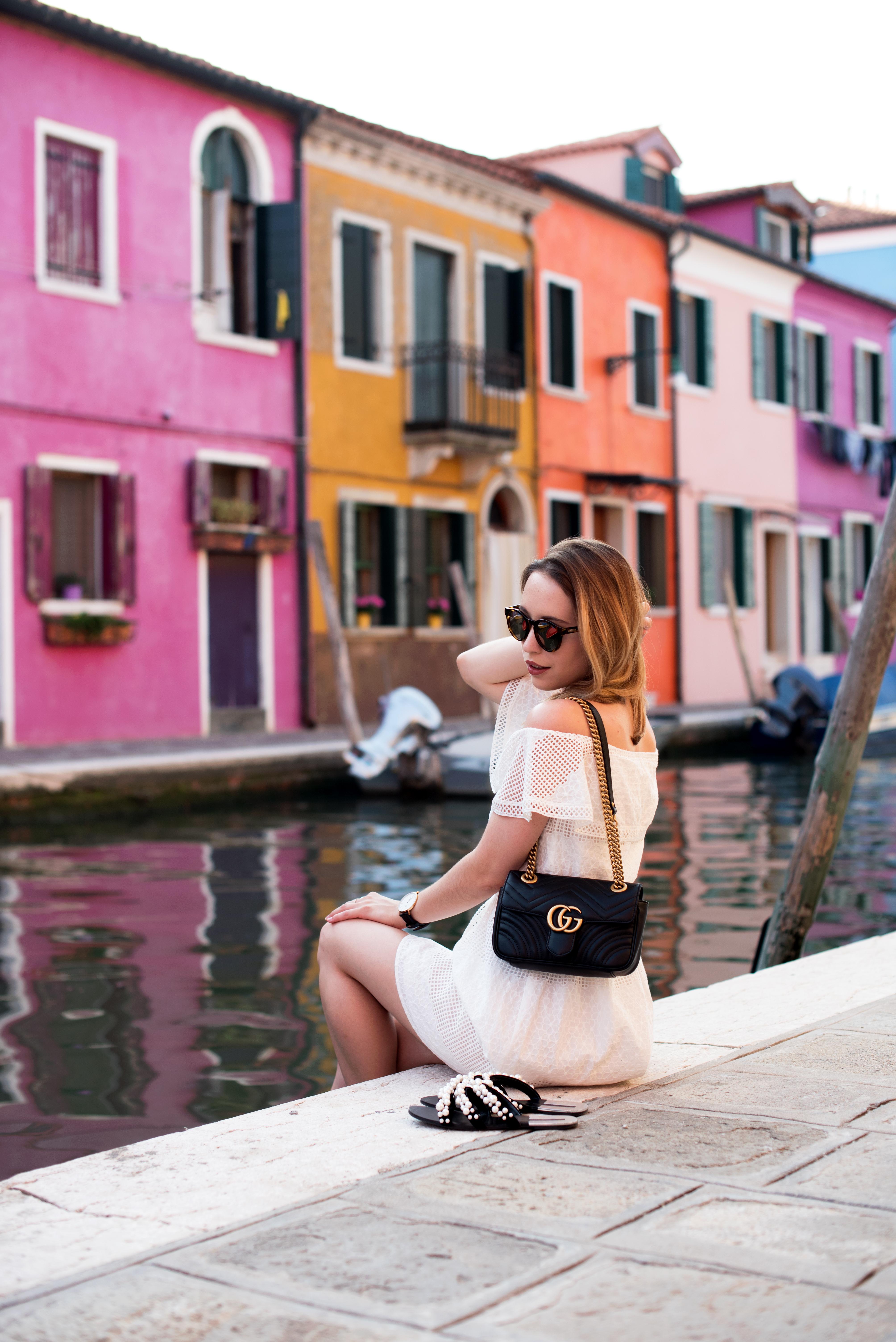 Strolling through Burano – Das weiße Sommerkleid von Esprit