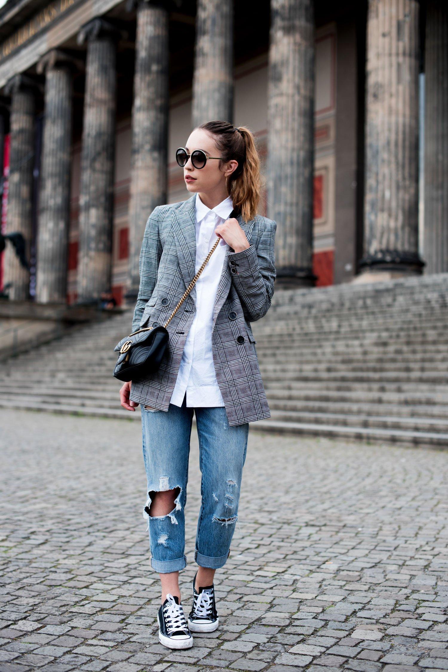 business casual look mit kariertem blazer und boyfriend jeans. Black Bedroom Furniture Sets. Home Design Ideas