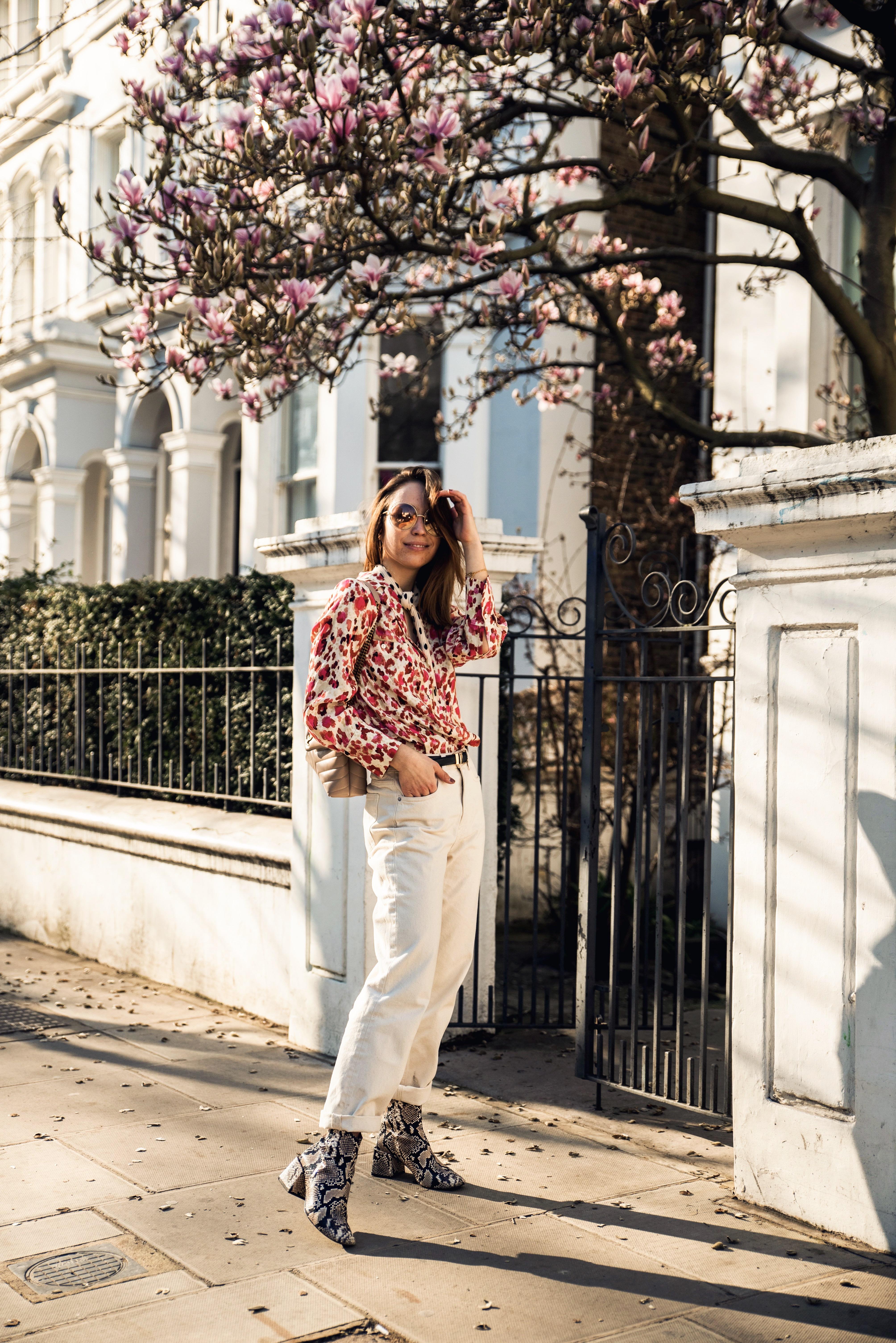 Outfit für den Frühling in Pastellfarben